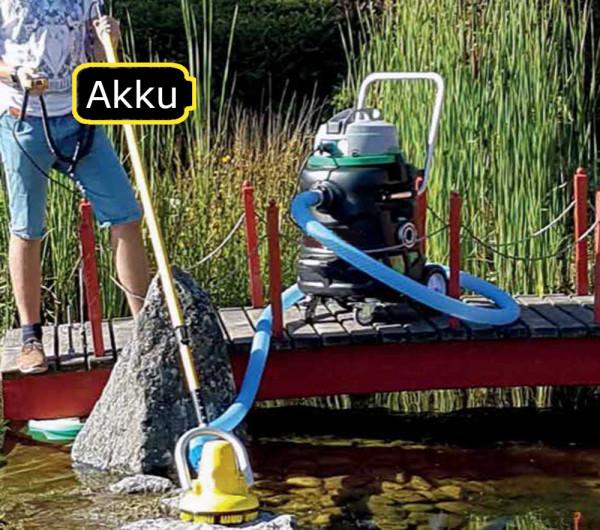 Akku Motorschrubber mit dem Profi Teichschlammsauger. Der Schlammsauger ist nicht im Lieferumfang.im Einsatz