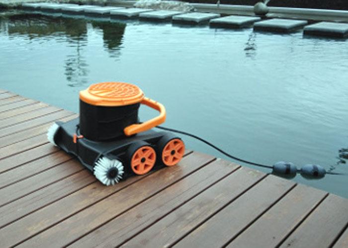 Tosstec b rstensauger schwimmteichroboter tt rb set for Gartenteich algenfrei